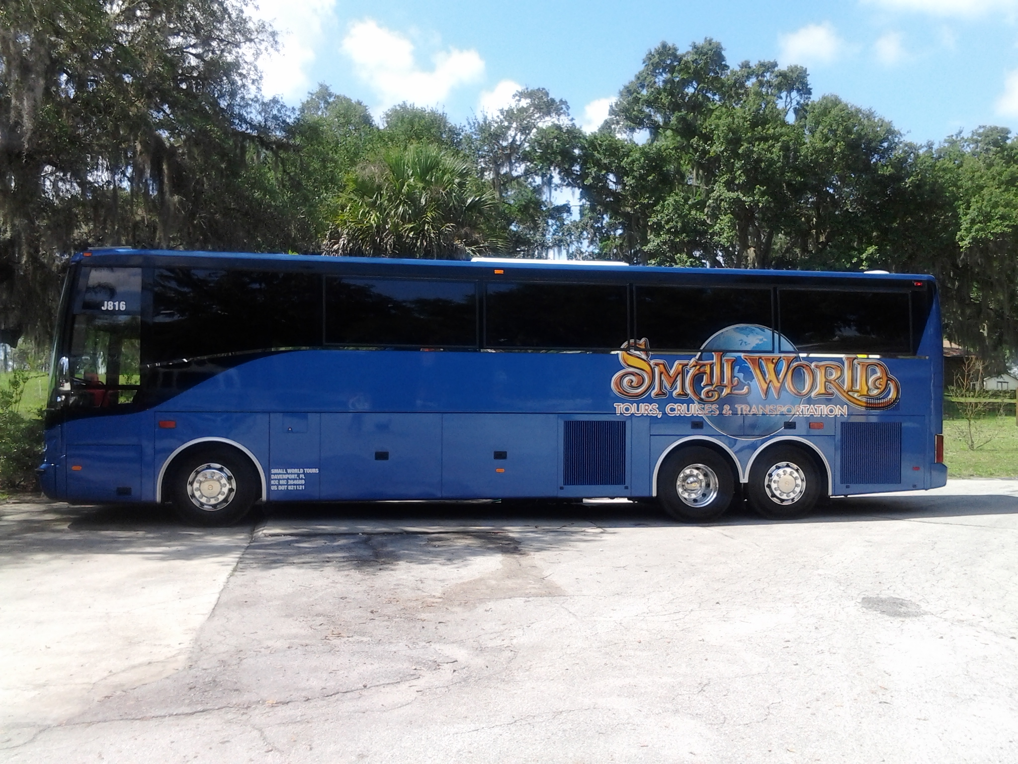 Motorcoach services small world tours and cruises inc for Motor coaches with 2 bedrooms